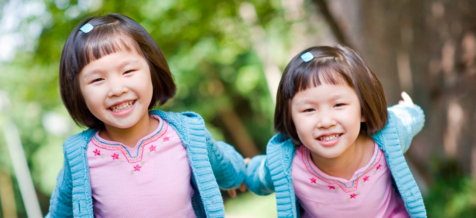 twin girls - epigenetics provides insight into cancer